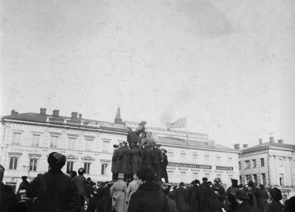 Kauppatori maalisk 17 1917